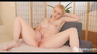 Yanks Summer Lynn Gets Womanized